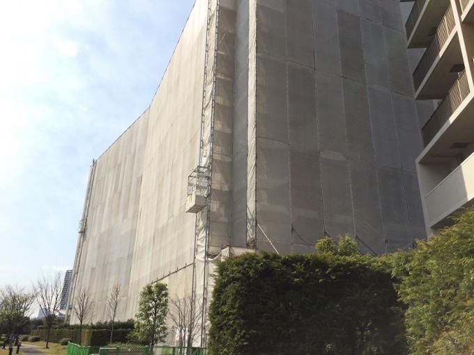 東京都荒川区南千住にて改修工事の資材荷揚げにご利用いただいています