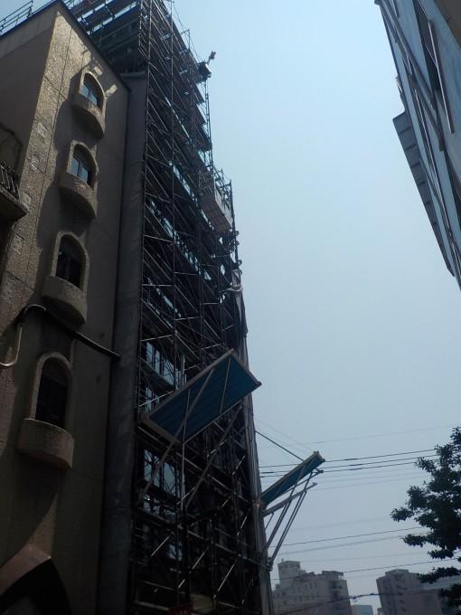 博多 中州 出合橋前のビル新築現場です。