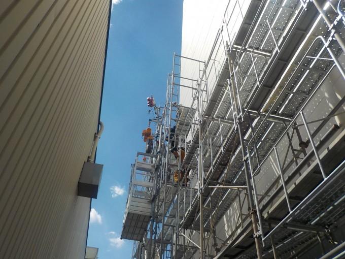工場内物流倉庫の外壁改修