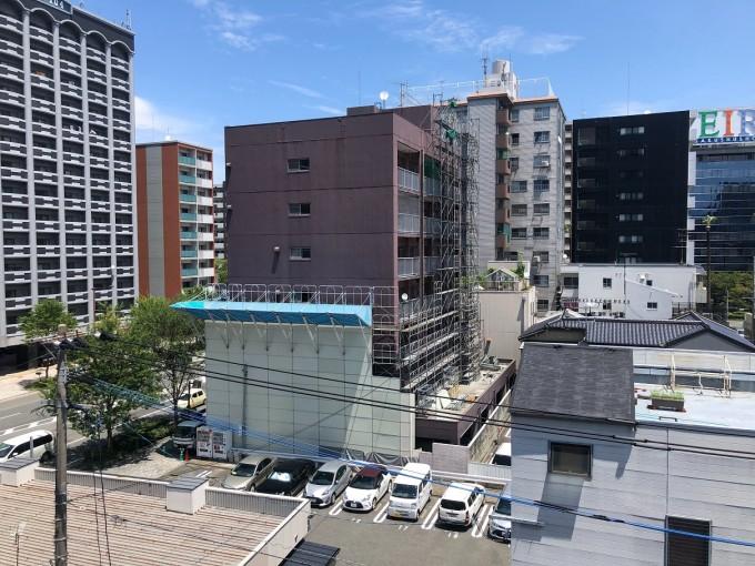 猿鳶太助Ⅱ型をマンションの解体足場の組立にご利用いただきました